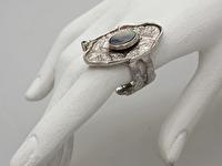 Apraksts : Kausēts gredzens ar Opālu un Briljantu, Materiāls : Sudrabs
